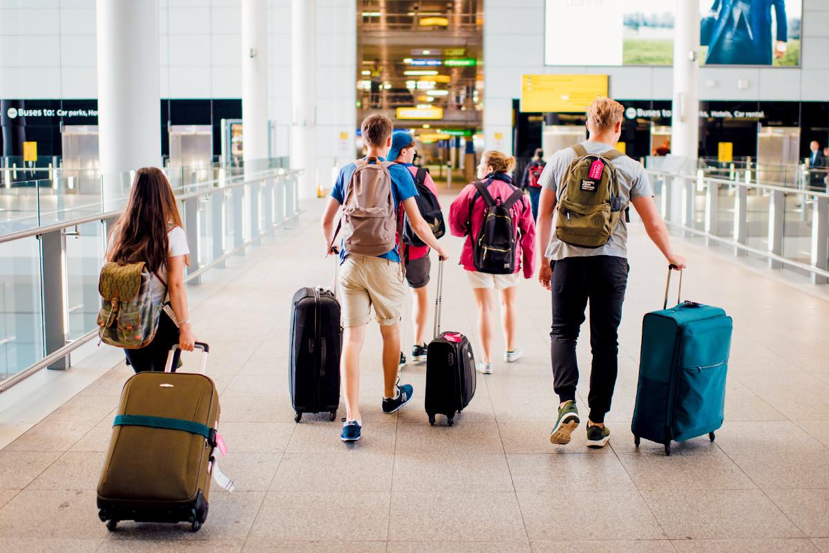 airport-walking